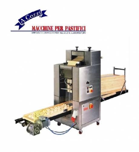 Macchine per nidi di pasta con taglierina automatica