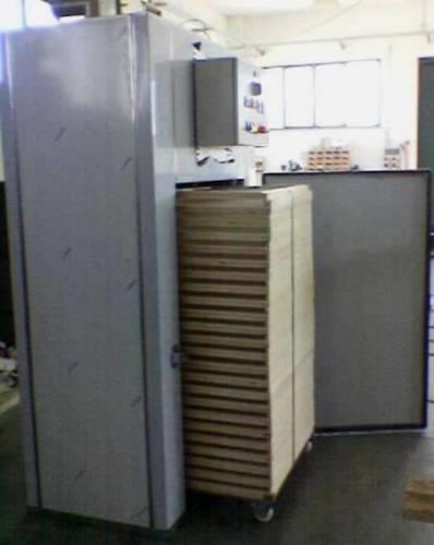 Sterilizzatore per pasta a carrello con telai - Laterale con telai