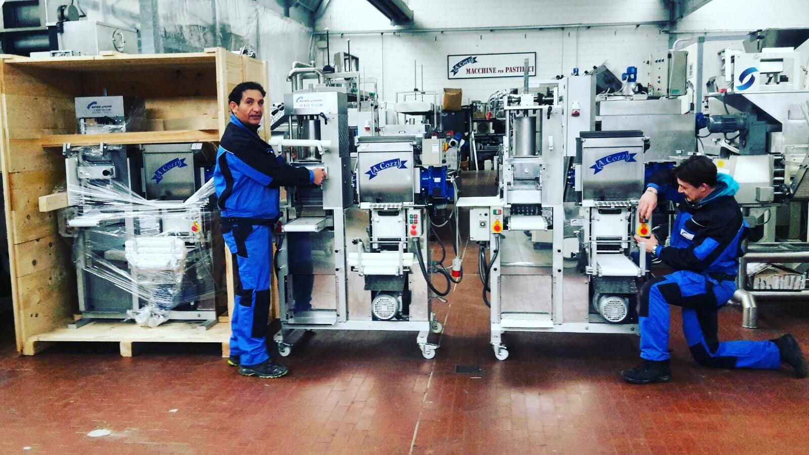 I tecnici della Aldo Cozzi Sas alla produzione di macchine combinate per pasta fresca - 4 in 1