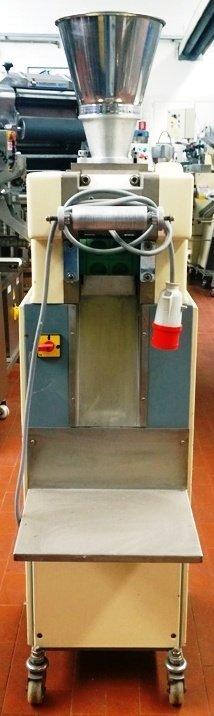 Raviolatrice RR120 vista frontale - macchina usata